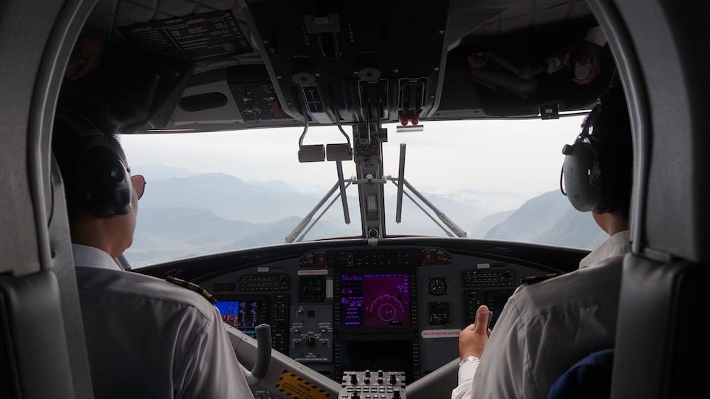 Saeted behind Pilot, Tara Air, Pokhara - Jomsom